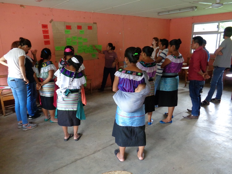 Photo: C. Fernandez Fernandez - Cantaro Azul working with the IM Toolbox for small systems in Chiapas, Mexico